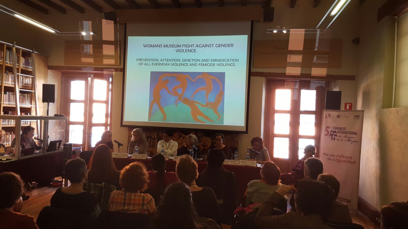 "Panel 3: Von li nach re: Moderatorin Gabriela del Valle, M.A. (FEMU, UAM Xochimilco, Mexico); ""Making Ukrainian Women visible in Public Life"", Tetyana Chernetska, PhD (Gendermuseum, Ukraine); ""History of abortion and sexuality"", Mona Holm, Cand. Philol. (Kvinnemuseet, Norway); ""The approach of the socio-political and socio-cultural work of our Museum Women's Culture Regional-International in the society"", Gabriele Franger, PhD (Museum Frauenkultur Regional International, Fürth, Germany);"