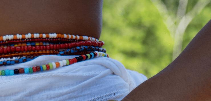 Waist beads - ein Schmuckstück mit Historie